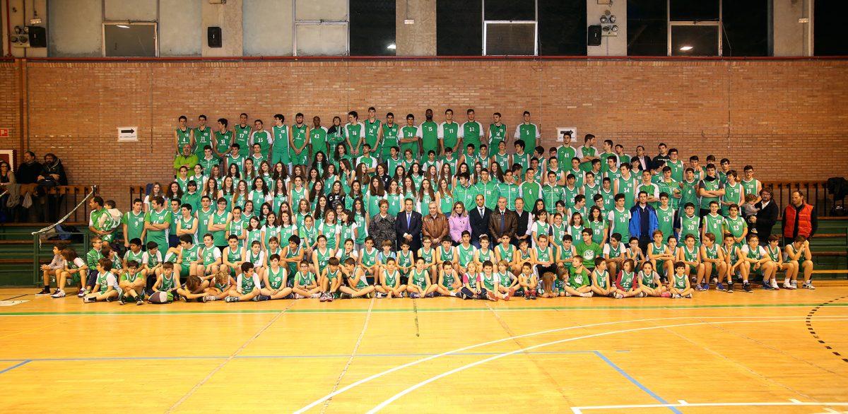 http://www.toledo.es/wp-content/uploads/2015/12/756a0325-1200x586.jpg. Tolón asiste al primer acto del 25 Aniversario del Club Baloncesto CEI y respalda la recogida solidaria de alimentos