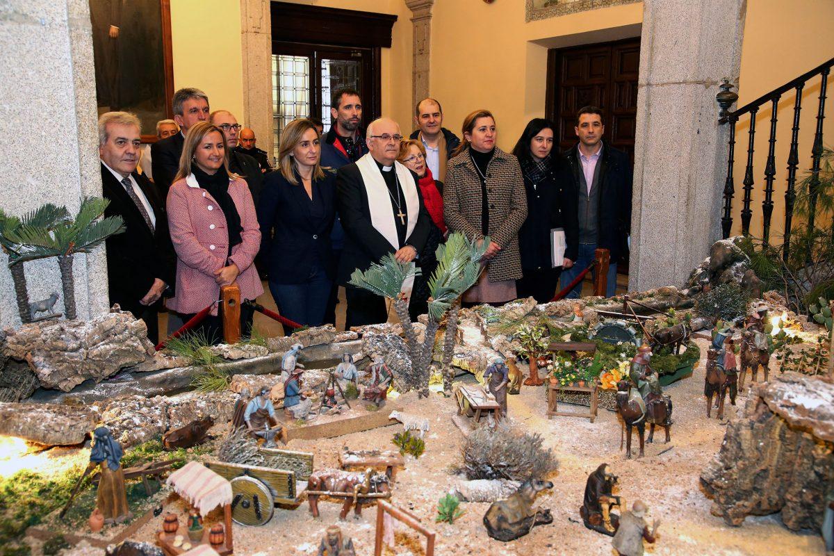"""http://www.toledo.es/wp-content/uploads/2015/12/belen_ayto00-1200x800.jpg. Tolón anima a toledanos y visitantes a disfrutar del """"amplio abanico de actos navideños"""" organizados por el Ayuntamiento"""