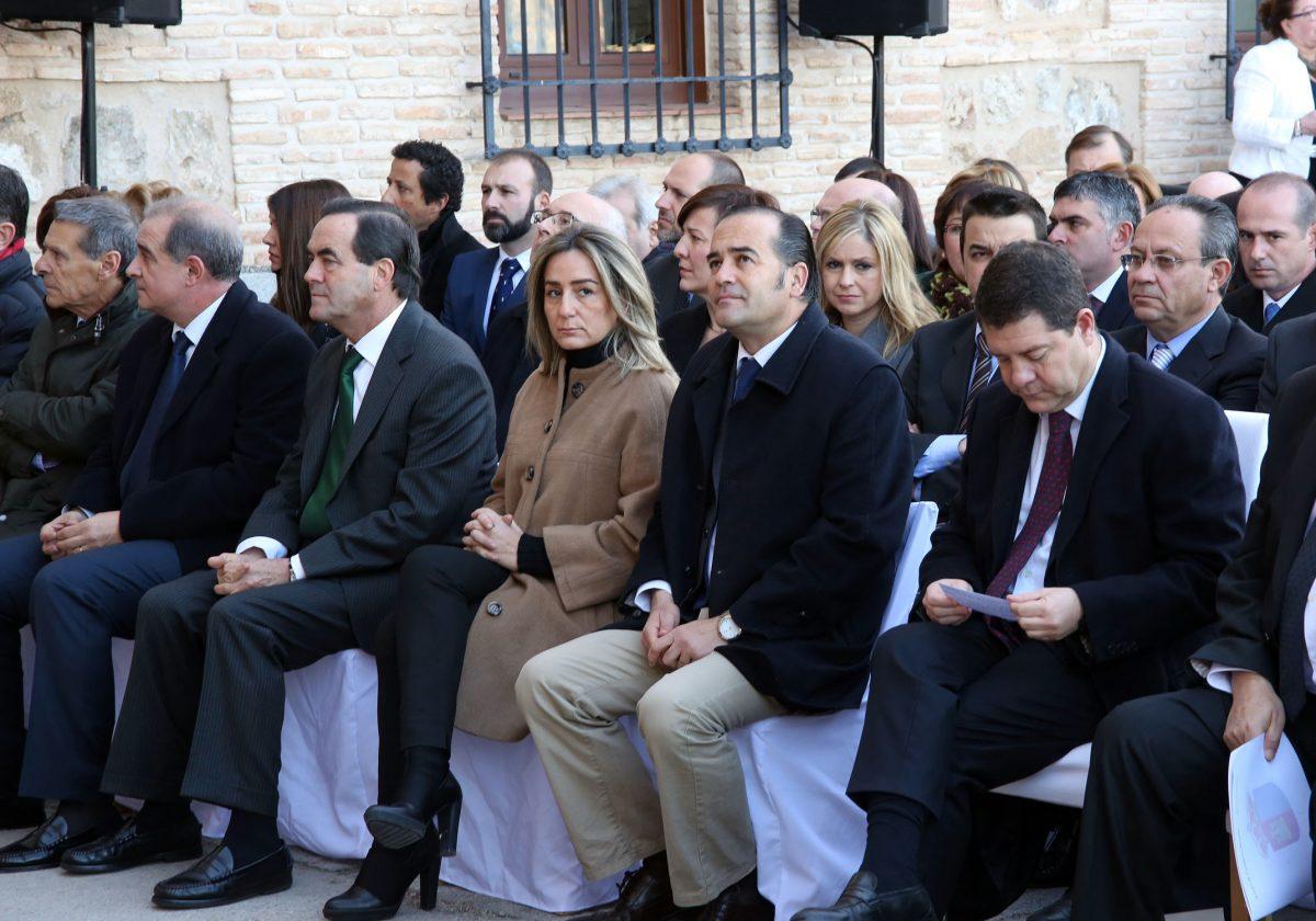 """http://www.toledo.es/wp-content/uploads/2015/12/cortes_dia_constitucion-1200x840.jpg. Tolón apela al consenso del 78 para abordar """"los ajustes necesarios"""" que garanticen la vigencia de la Constitución"""