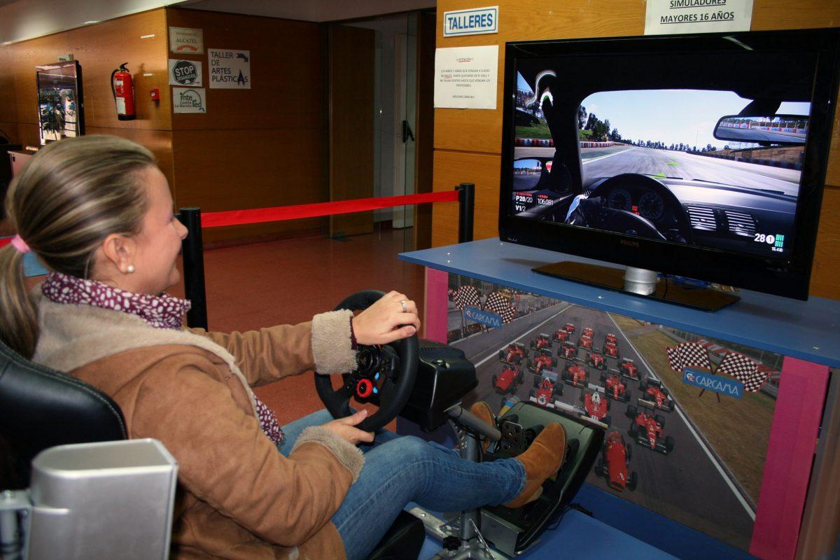 http://www.toledo.es/wp-content/uploads/2015/12/festival_nntt-1200x800.jpg. El Festival de Nuevas Tecnologías abre sus puertas en el Polígono con las últimas novedades en consolas y videojuegos