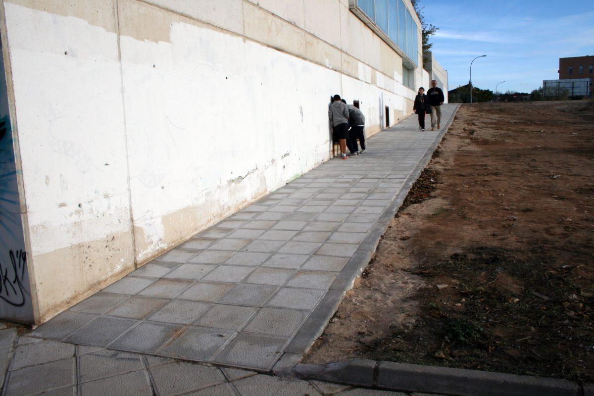 http://www.toledo.es/wp-content/uploads/2015/12/obras1_d-1200x800.jpg. El Ayuntamiento concluye las obras del itinerario peatonal accesible que conecta Río Boladiez con Río Guadiela