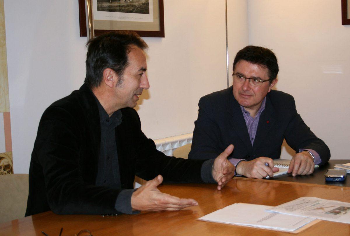 http://www.toledo.es/wp-content/uploads/2015/12/reunion_decano_arquitectura-1200x807.jpg. El Ayuntamiento buscará la colaboración de la Escuela Superior de Arquitectura para completar la elaboración del POM