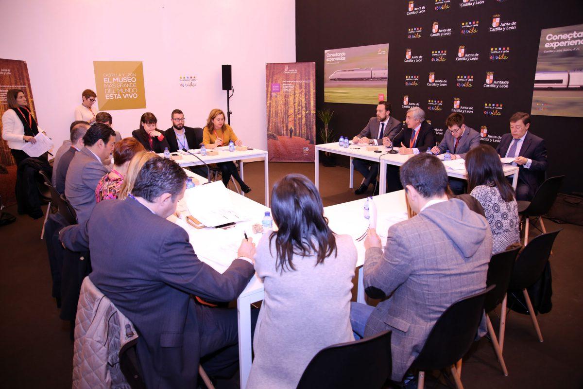 """Toledo y las ciudades de """"Huellas de Teresa de Jesús"""" presentan en FITUR su Plan Operativo Internacional para 2016"""