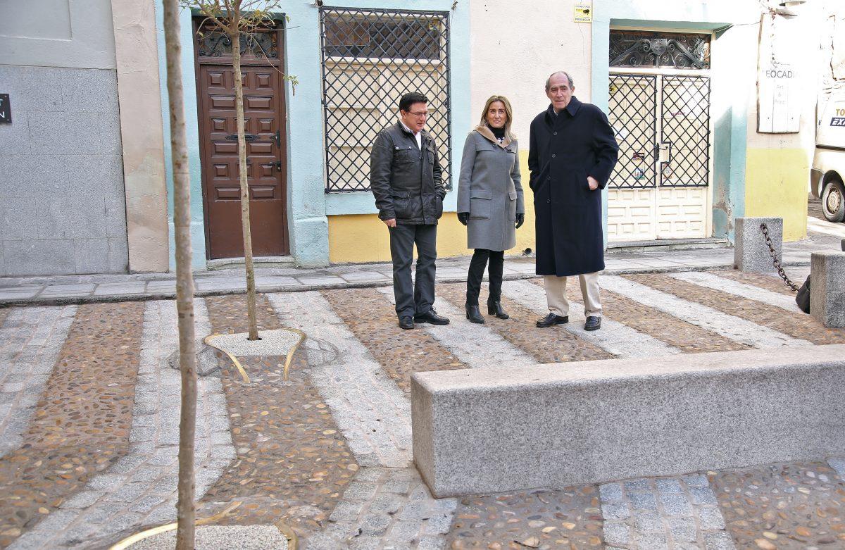La alcaldesa anuncia que el Consorcio ya ha empezado a trabajar en el proyecto de rehabilitación de la plaza de Zocodover