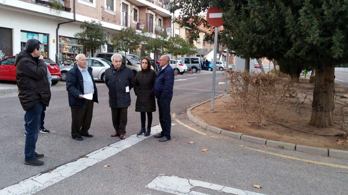 El equipo de Gobierno se interesa por las demandas de Azucaica