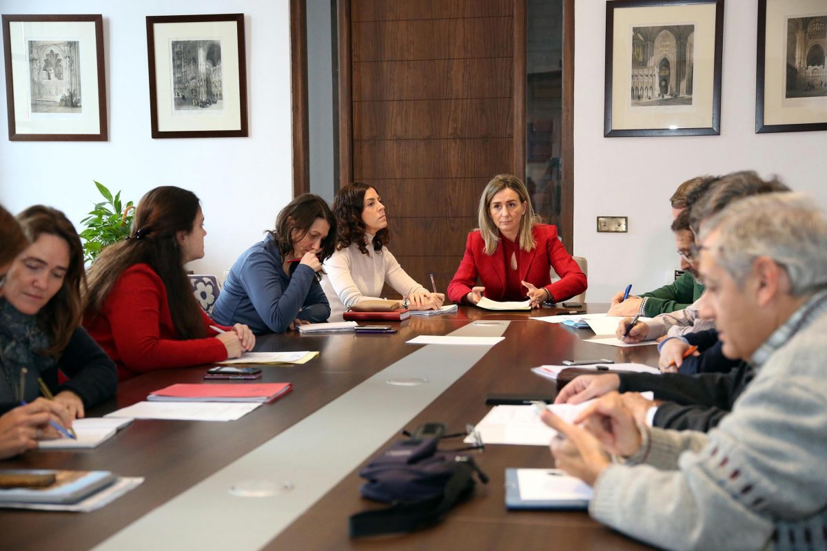 """La alcaldesa solicita """"amparo"""" a la Unión Europea ante la situación del Tajo a su paso por Toledo"""