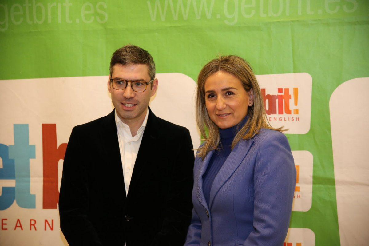 """La alcaldesa asiste a la inauguración de la  sede de Get Brit! y destaca su """"ejemplo como empresa emprendedora del siglo XXI"""""""