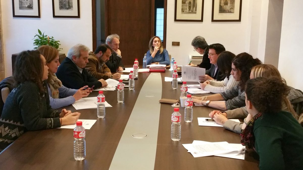 http://www.toledo.es/wp-content/uploads/2016/01/junta_gob_local-1200x675.jpg. El Ayuntamiento ofrece tres categorías para patrocinar los actos de Toledo Capital Española de la Gastronomía 2016