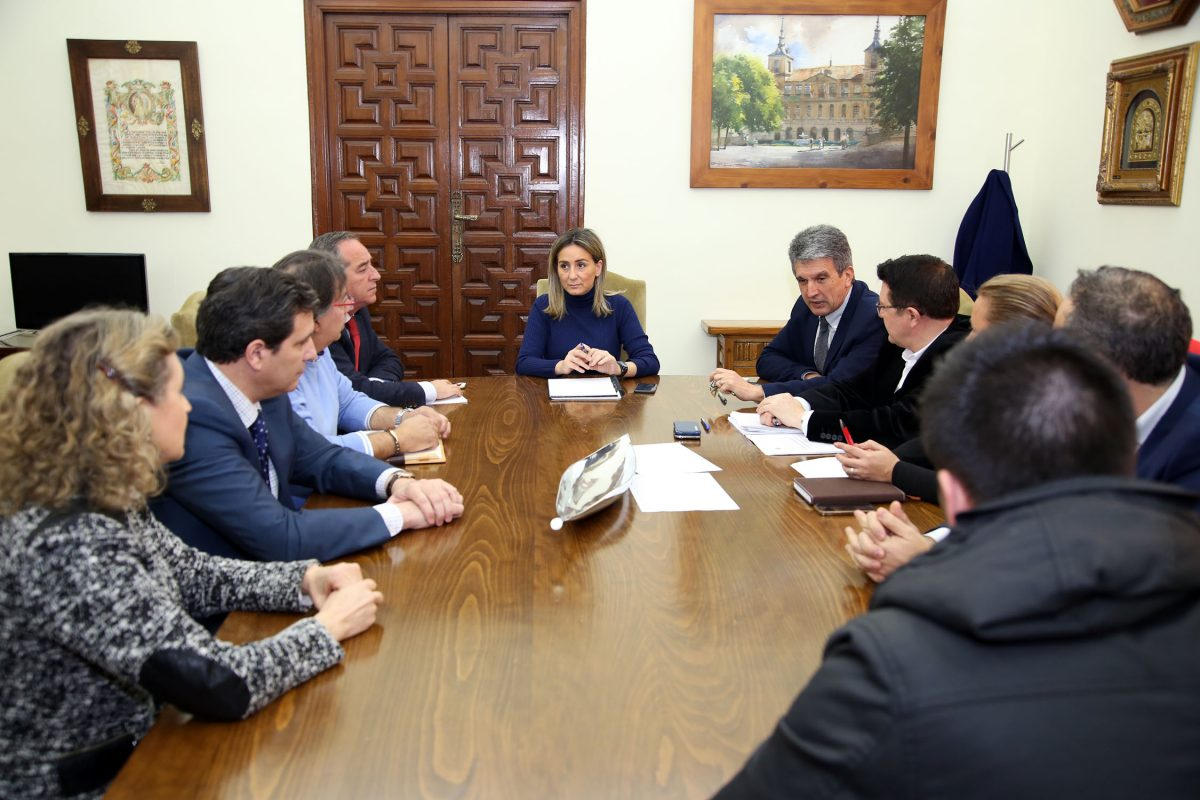 Milagros Tolón analiza con FEDETO y comerciantes de Santa Teresa las necesidades del barrio y las próximas actuaciones
