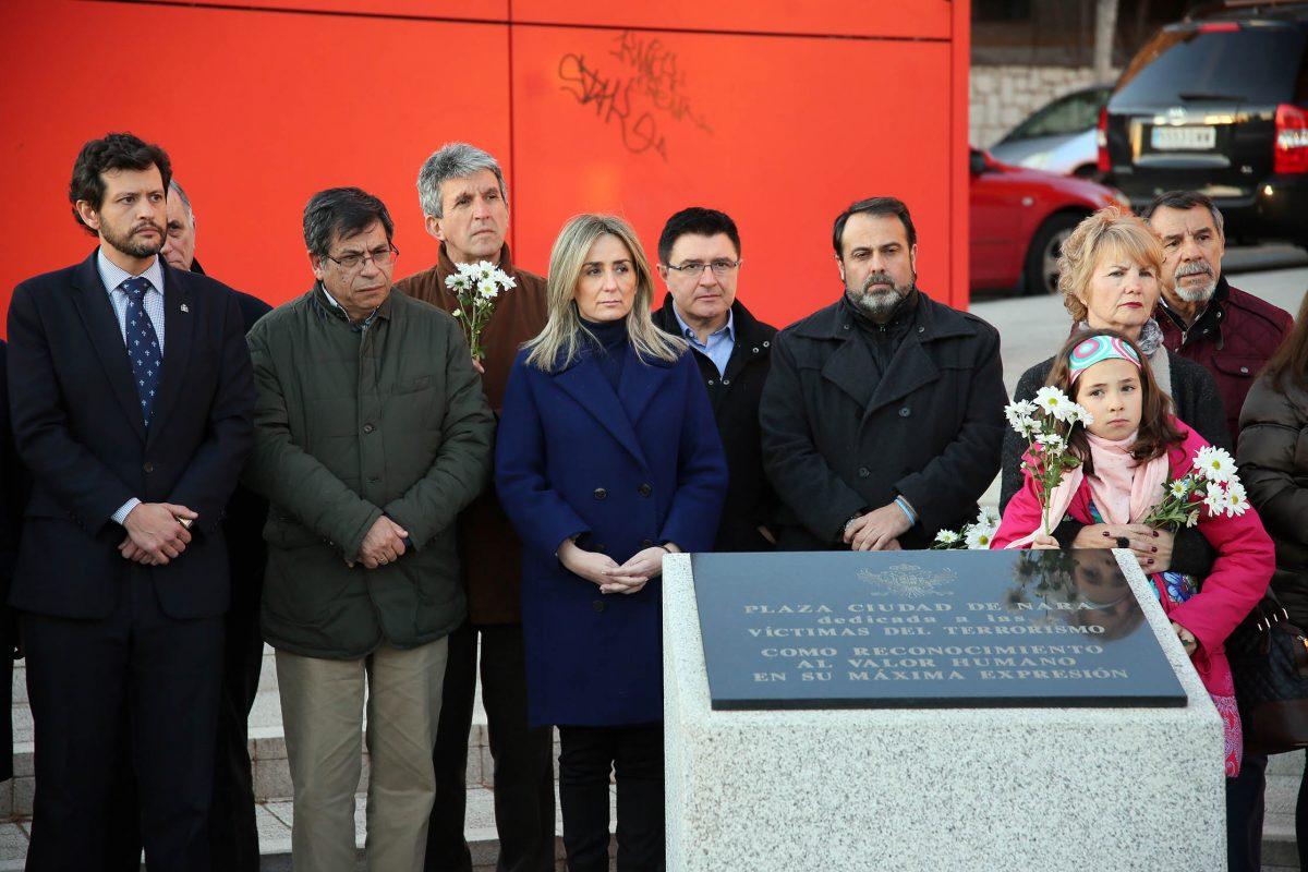 El Ayuntamiento, en el homenaje celebrado en la plaza Ciudad de Nara con motivo del Día Europeo de las Víctimas de Terrorismo