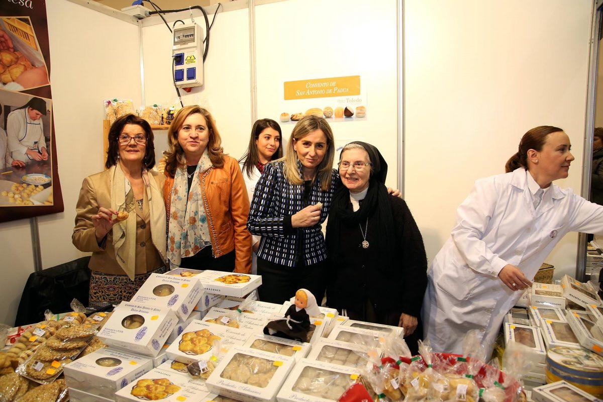 """http://www.toledo.es/wp-content/uploads/2016/03/10_feria_dulce_cuaresma-1200x800.jpg. Tolón reivindica la """"fusión de cultura, patrimonio y gastronomía"""" que ofrece este fin de semana la Feria del Dulce y la Cuaresma"""