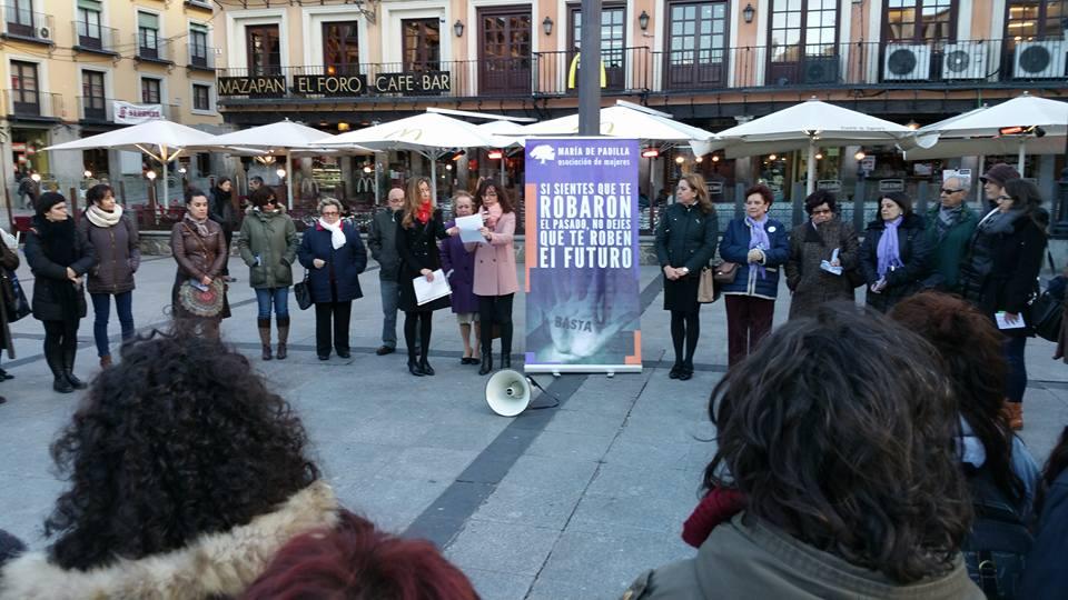 http://www.toledo.es/wp-content/uploads/2016/03/12512273_10153500724432183_6543377058458752267_n.jpg. El equipo de Gobierno respalda la tradicional concentración de la 'Asociación de Mujeres María de Padilla' por el 8 de marzo