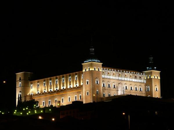 http://www.toledo.es/wp-content/uploads/2016/03/475.jpg. La iluminación monumental de Toledo estará presente en la feria Light+Building como ejemplo de inspiración para otras ciudades