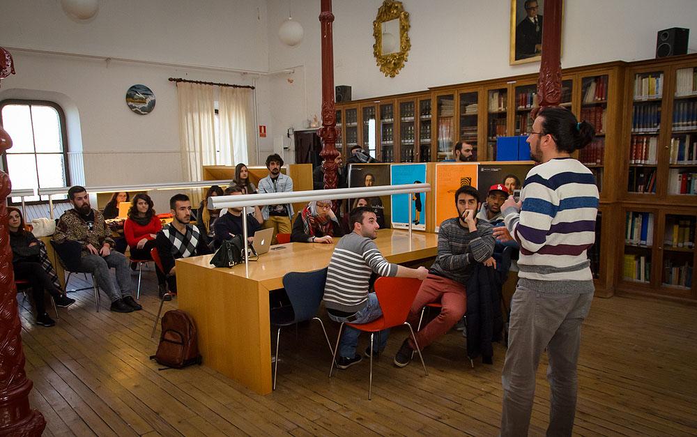 """http://www.toledo.es/wp-content/uploads/2016/03/dsc_4801.jpg. Juventud propone a la Escuela de Arte de Toledo el diseño de un nuevo logotipo """"que inspire valores"""" para la concejalía"""
