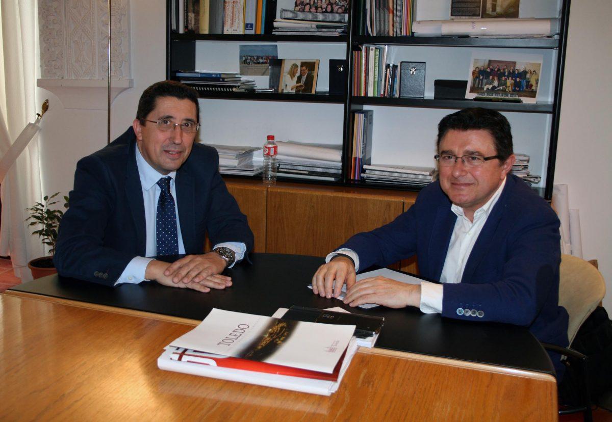 http://www.toledo.es/wp-content/uploads/2016/03/reunion_economistas-1200x828.jpg. El Ayuntamiento y el Colegio de Economistas estudian vías de colaboración en beneficio del desarrollo económico y el empleo