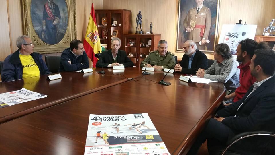 El Ayuntamiento colabora en la III Subida y Bajada a los Torreones de El Alcázar y en la IV Carrera del Día del Libro