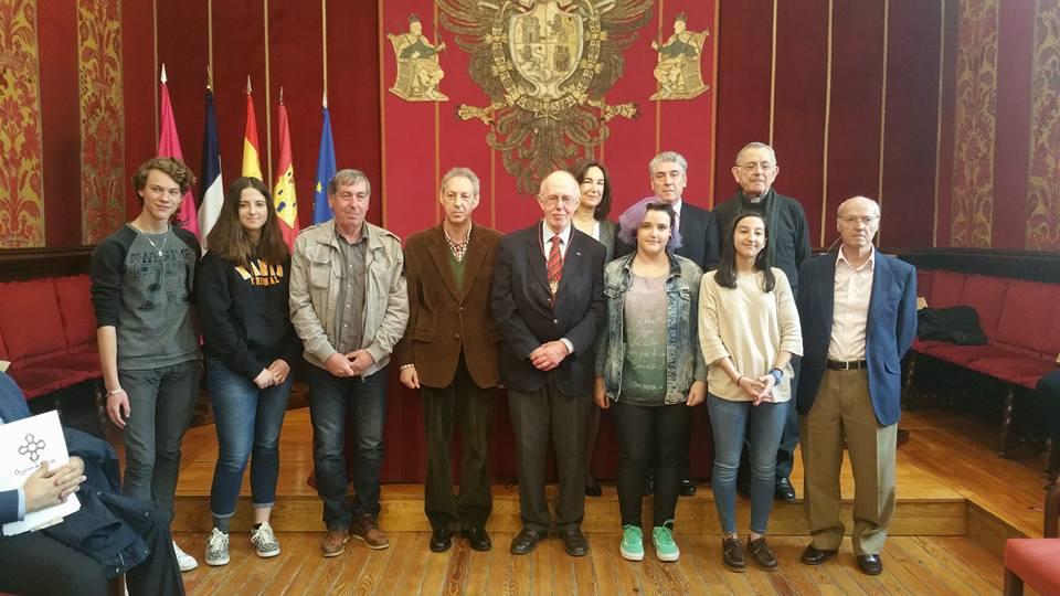 El Ayuntamiento acoge el nombramiento como Socio de Honor de la Asociación Urbs Regia al profesor Jacques Michaud