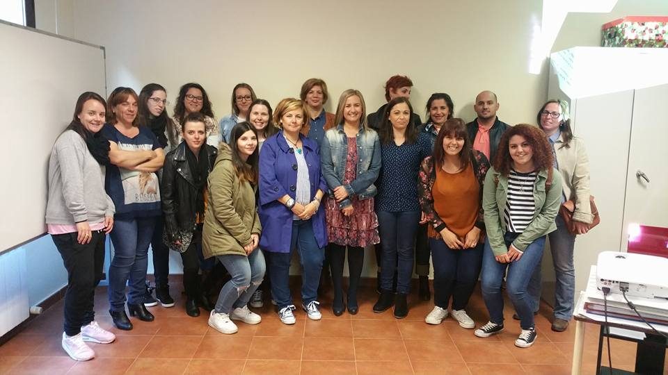 """Arranca """"con gran éxito"""" el curso de Discapacidad Auditiva organizado por el Ayuntamiento en la sede de APANDAPT"""