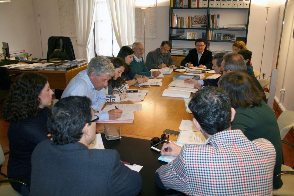 El Gobierno local informa en la Comisión de Urbanismo del proceso de autorización de las obras del Hospital Universitario
