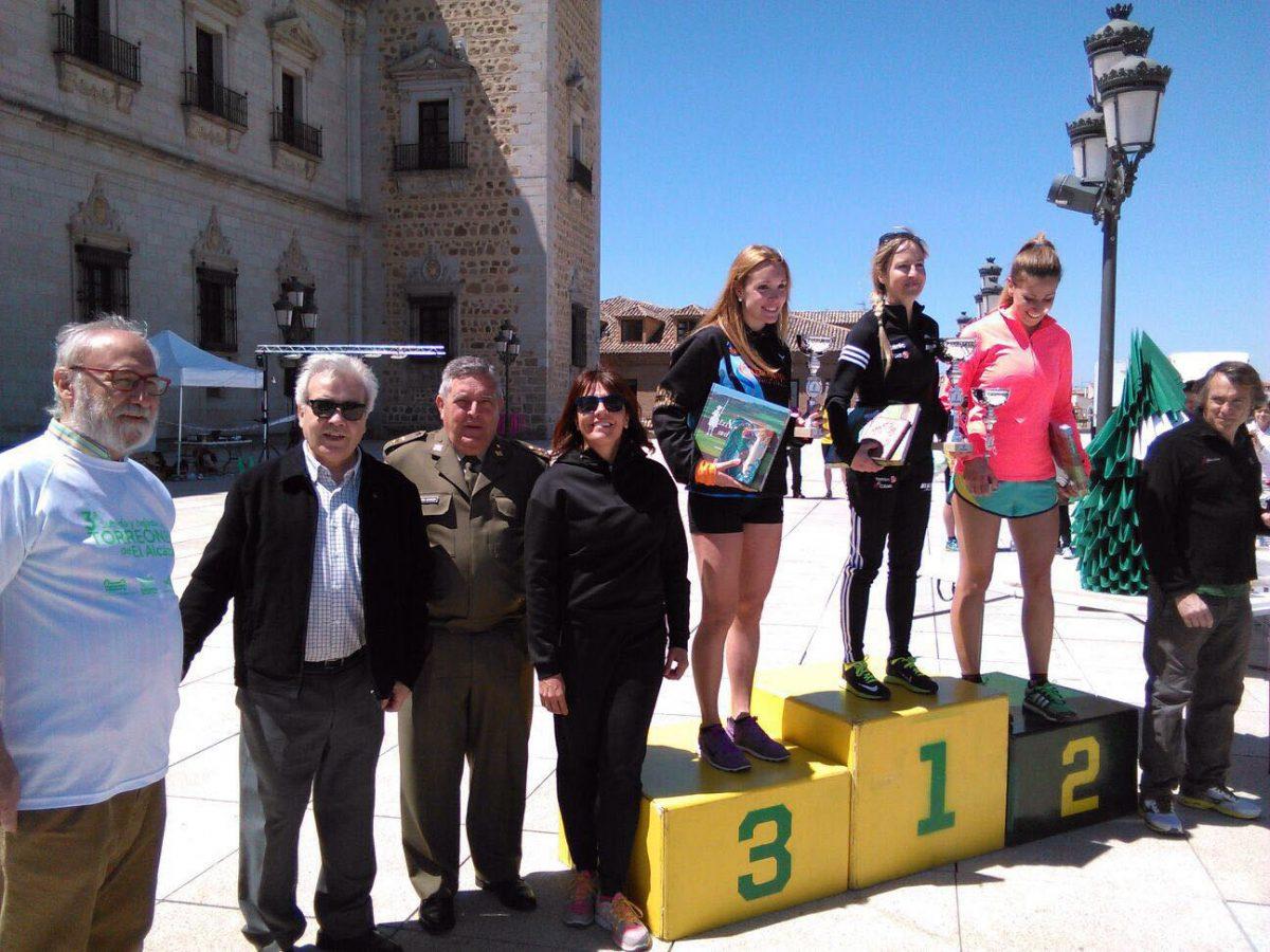 Carlos Hernández y Marta Molina, ganadores de la III Subida y Bajada a los Torreones del Alcázar, celebrada hoy