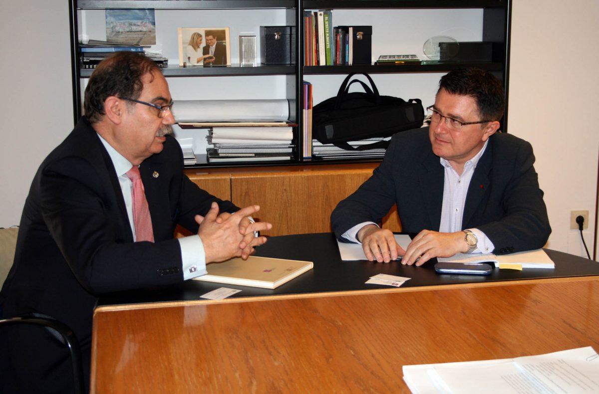 El Gobierno local quiere incorporar la visión de los ingenieros industriales en la nueva planificación de la ciudad