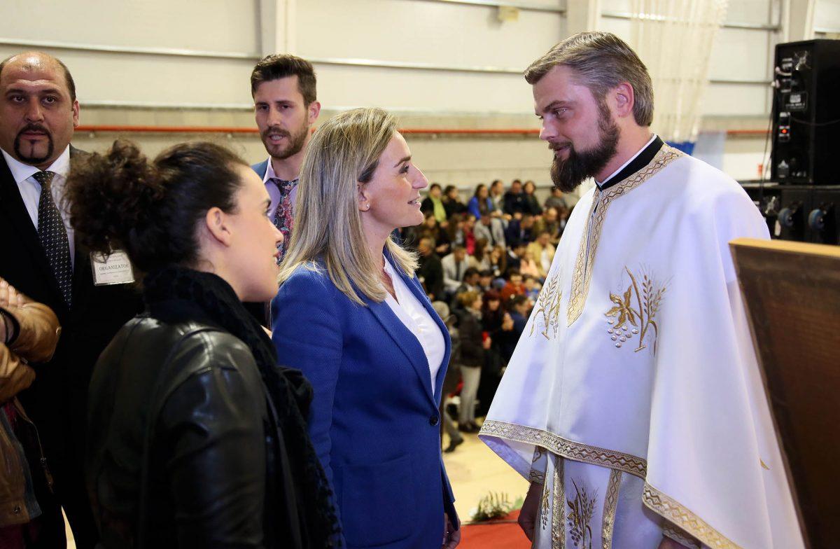 http://www.toledo.es/wp-content/uploads/2016/05/01_rito_ortodoxo_rumano-1200x784.jpg. Milagros Tolón celebra con la comunidad rumana de Toledo y de la región la Pascua Ortodoxa