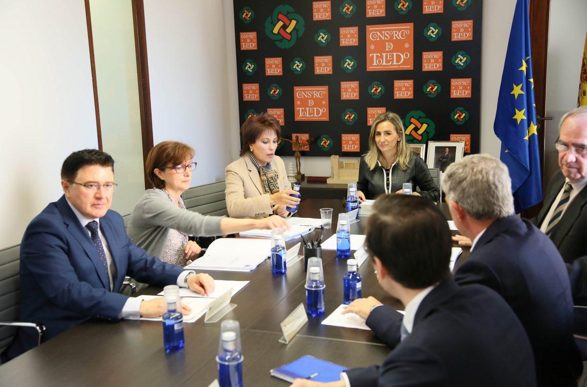http://www.toledo.es/wp-content/uploads/2016/05/02_comision_-consorcio_toledo-1200x791.jpg. La alcaldesa preside la Comisión del Consorcio, que adjudica la rehabilitación de unos sótanos islámicos y romanos en Alfonso X