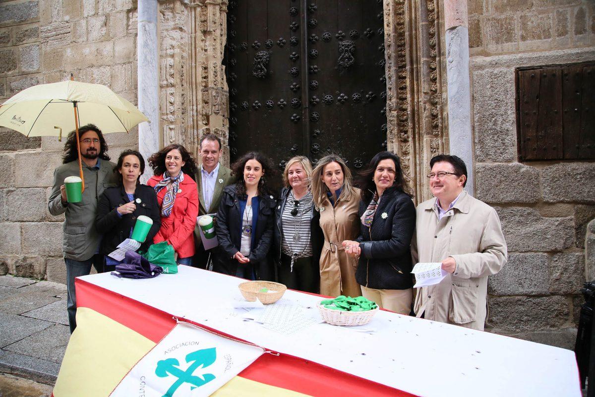 El Gobierno local colabora con la Asociación Española Contra el Cáncer en la recaudación de fondos para investigación
