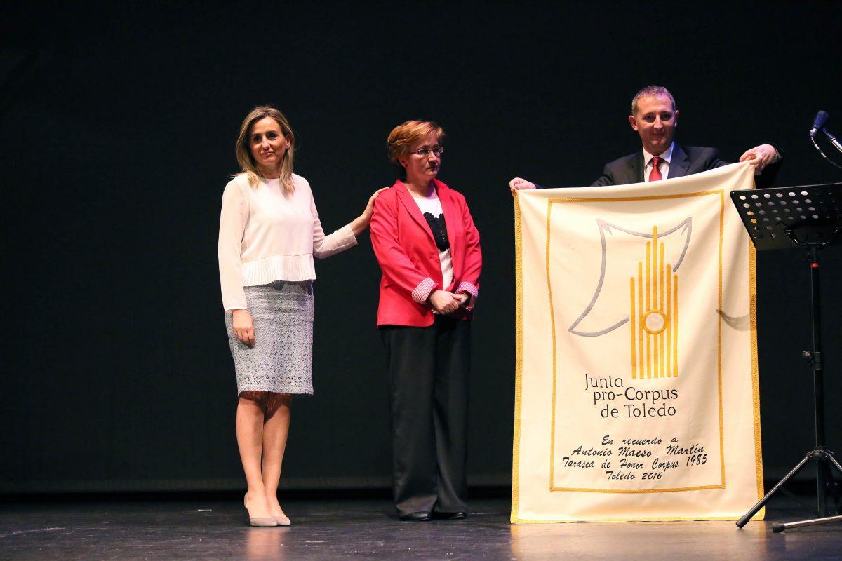 """La alcaldesa inaugura la Semana Grande del Corpus, la tradición en la que """"reafirmamos nuestra condición de toledanos"""""""