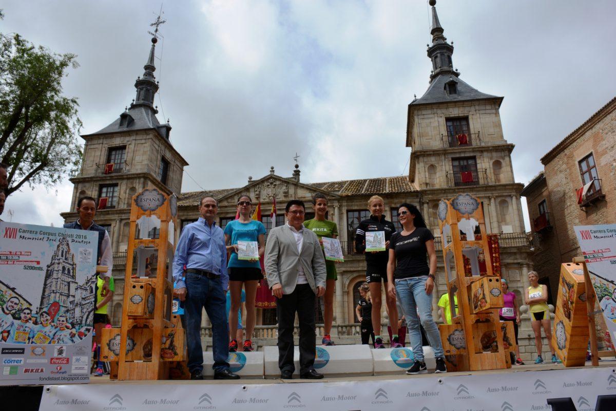 Sonia Labrado y Ricardo Martínez repiten triunfo en la Carrera Popular Corpus Christi, que ha contado con 500 corredores