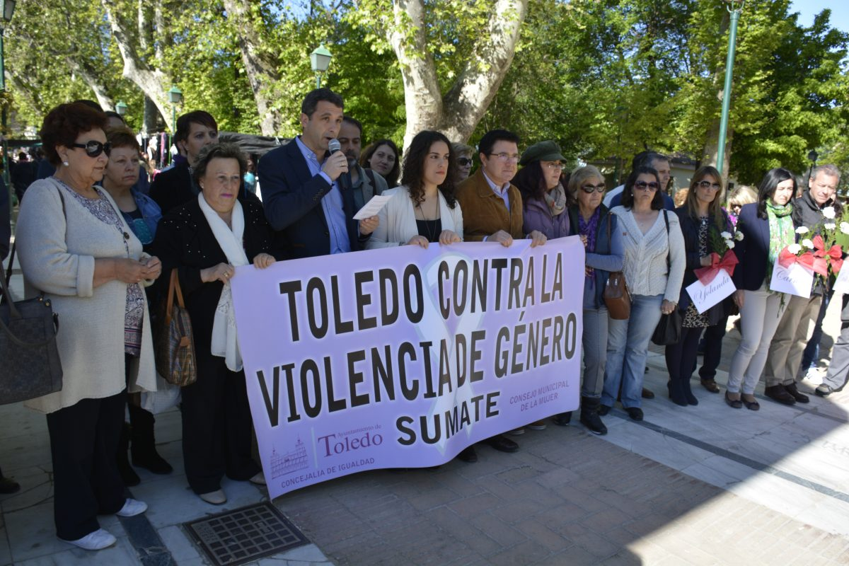 """http://www.toledo.es/wp-content/uploads/2016/05/dsc0620-1200x800.jpg. El Ayuntamiento lamenta que se hayan """"perdido dos años"""" en la renovación del protocolo de riesgo a mujeres maltratadas"""