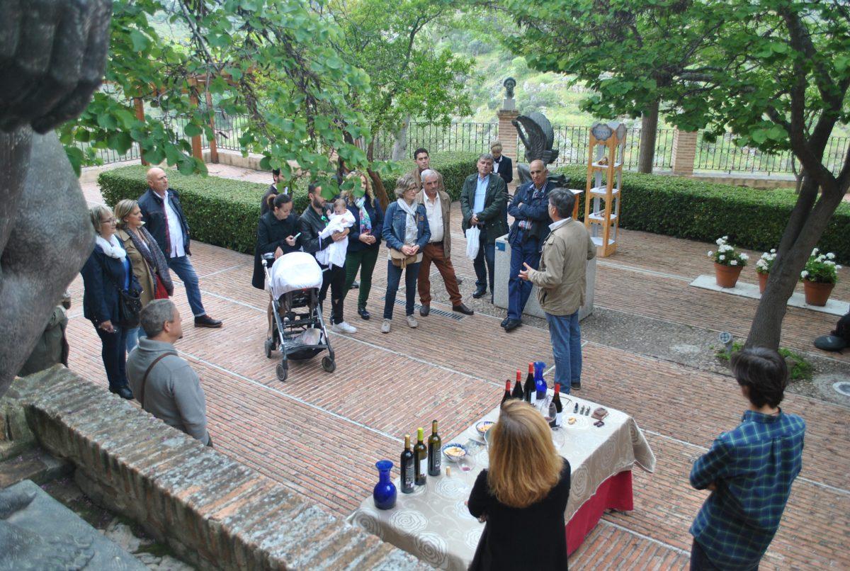 'Gastropatios' abre sus inscripciones de junio para las catas de vino en los patios de Lorenzana, Santa Isabel y Victorio Macho