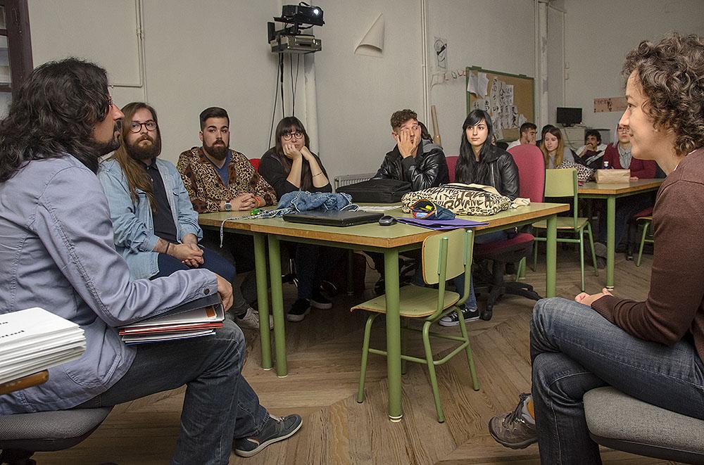 http://www.toledo.es/wp-content/uploads/2016/05/logo_juventud02.jpg. Los alumnos de la Escuela de Arte ultiman los trabajos para elegir la nueva imagen distintiva de la Concejalía de Juventud