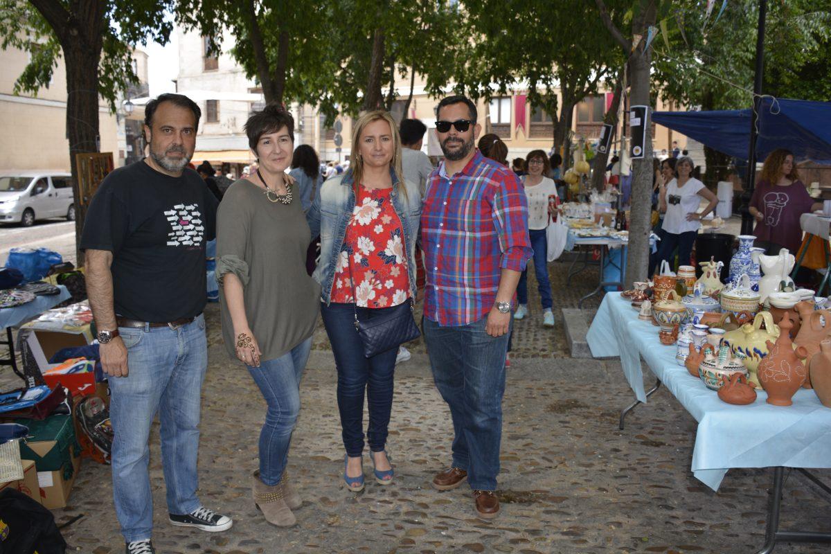 """La Asociación de Padres del """"Lucas y María"""" celebra su tercer mercadillo solidario con el respaldo del Ayuntamiento"""