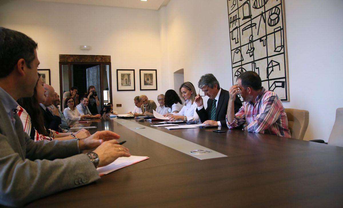 https://www.toledo.es/wp-content/uploads/2016/06/02_consejo_pacto_tajo-1200x730.jpg. El Consejo del Pacto por el Tajo constituido hoy impulsará medidas de protección, sensibilización e investigación del río