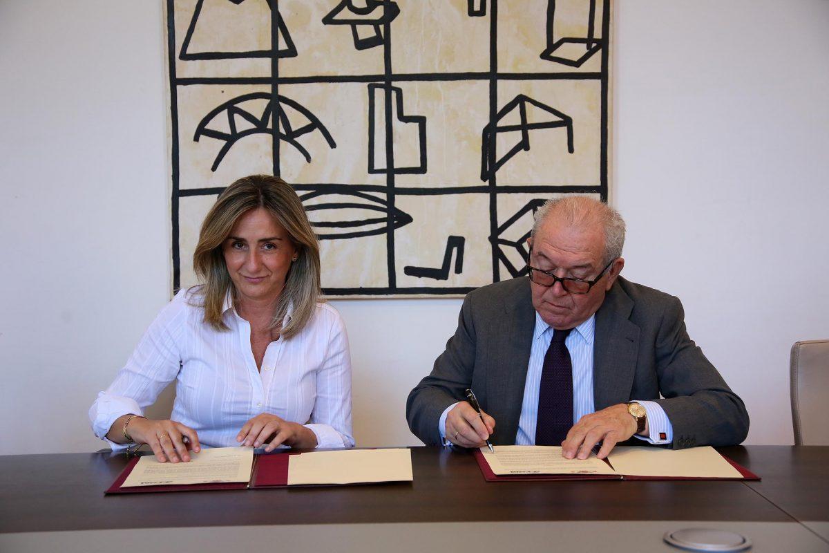 http://www.toledo.es/wp-content/uploads/2016/06/05_convenio_ortega_gaset-1200x800.jpg. El Ayuntamiento suscribe un convenio de formación con la Fundación Ortega y Gasset-Gregorio Marañón