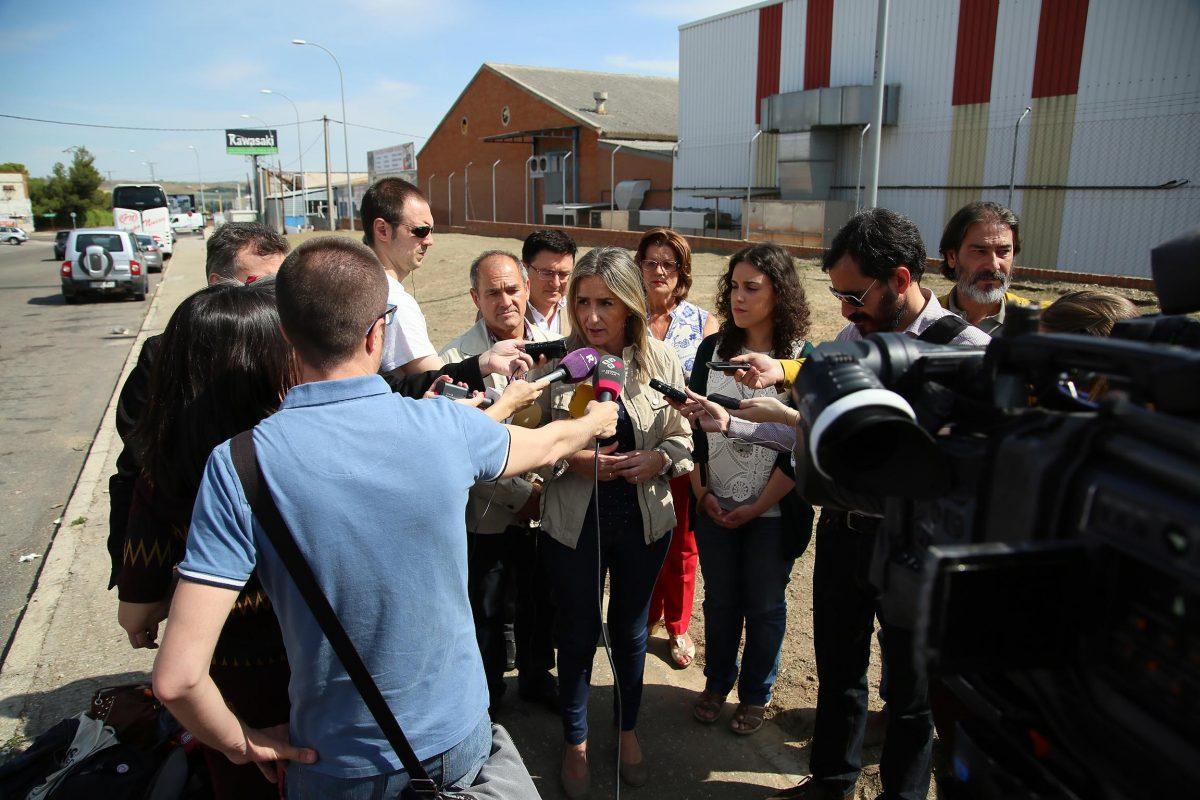 http://www.toledo.es/wp-content/uploads/2016/06/05_visita_obra_cesbroce_poligono-1200x800.jpg. El Ayuntamiento acuerda con Iberdrola las instalaciones necesarias para garantizar el suministro eléctrico en el Polígono