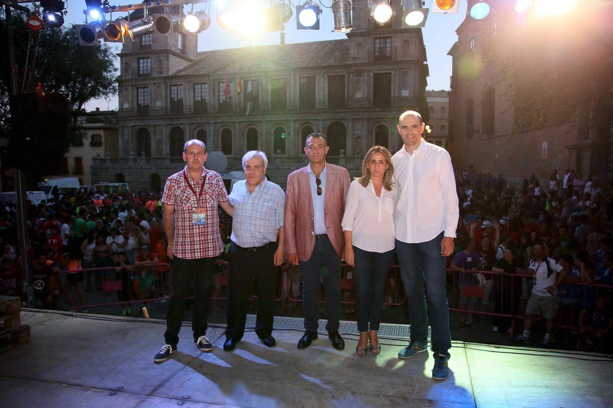 """https://www.toledo.es/wp-content/uploads/2016/06/07_campeonato_internacional_balonmano-1200x800.jpg. La alcaldesa da la bienvenida a los participantes del """"Toledo Handball Cup 2016"""" que se celebra hasta el 3 de julio"""