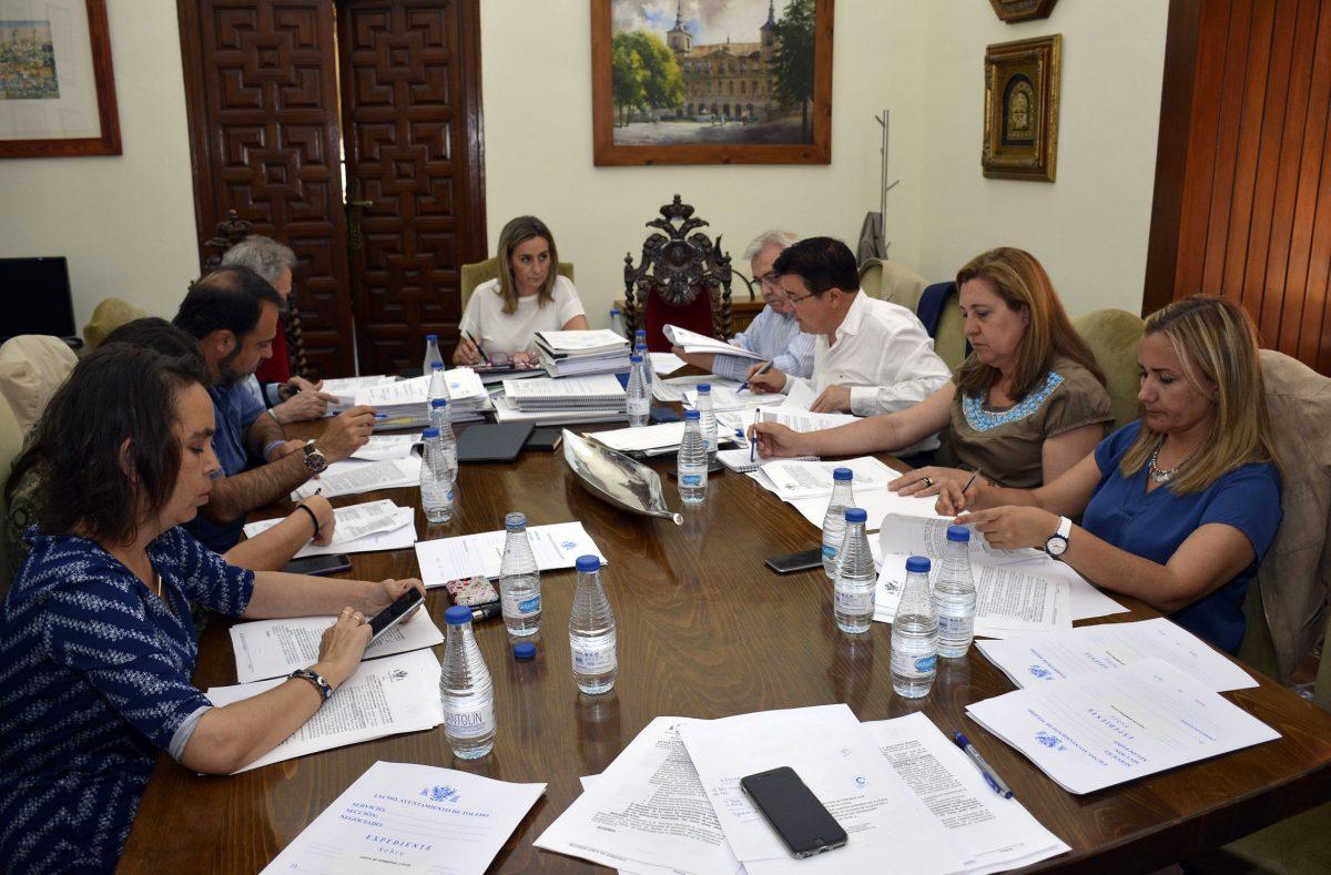 http://www.toledo.es/wp-content/uploads/2016/06/2016-06-08_reunion_jgl-1200x789.jpg. Licitada la contratación de entidad financiera como gestora para la recaudación de ingresos municipales