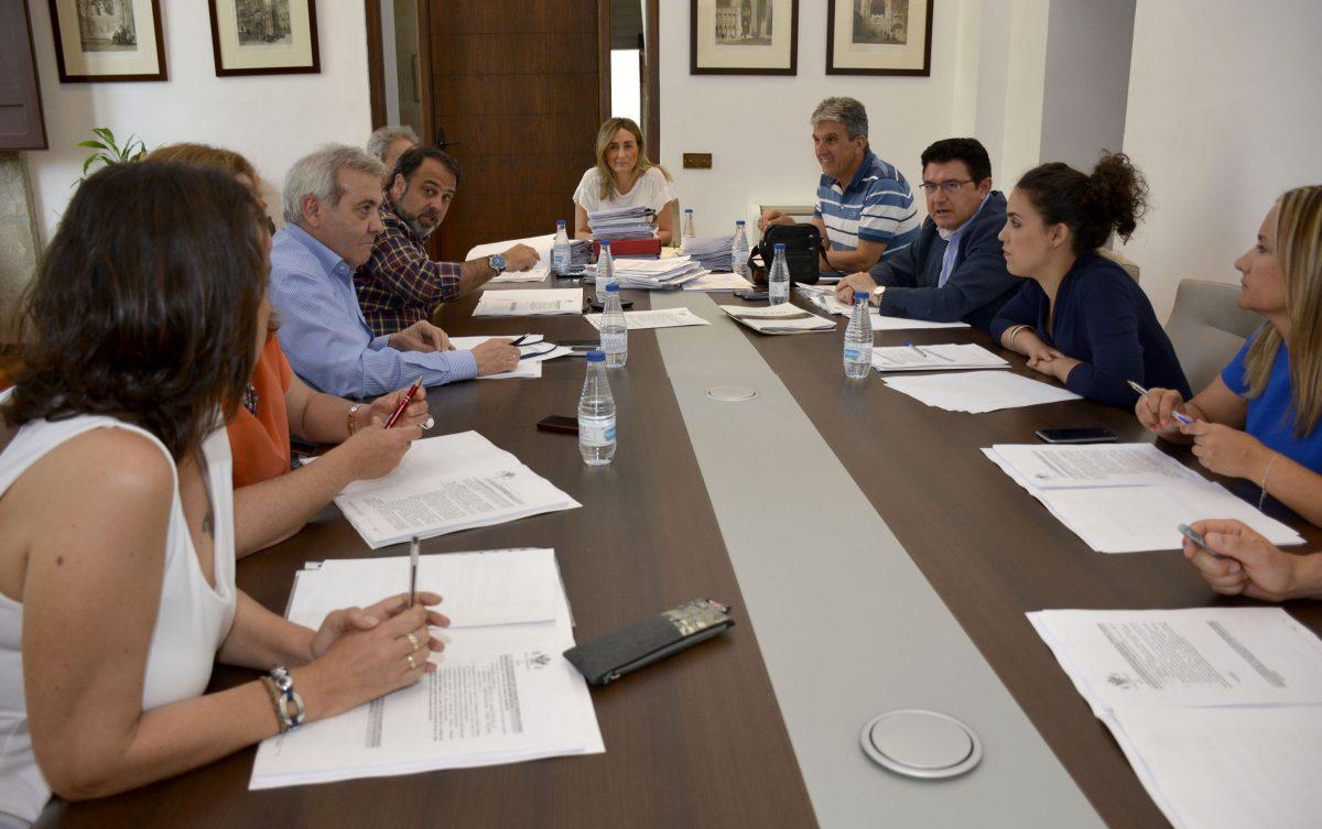 http://www.toledo.es/wp-content/uploads/2016/06/2016-06-15_jgl-1200x753.jpg. Aprobado un gasto de 212.000 euros para ayudas de Cooperación al Desarrollo