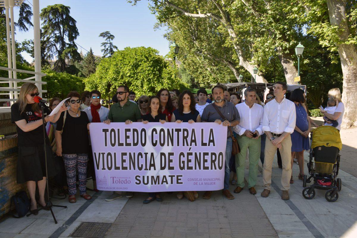 http://www.toledo.es/wp-content/uploads/2016/06/concentracion-1200x800.jpg. El Consejo Local de la Mujer pide a los partidos que no olviden las políticas de igualdad en sus programas electorales