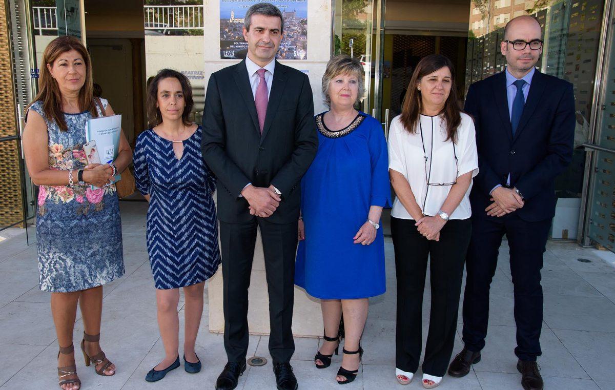 http://www.toledo.es/wp-content/uploads/2016/06/congreso_enfermeria01-1200x761.jpg. El Gobierno local defiende una sanidad eficaz con profesionales bien formados en el Congreso de Cuidados de Enfermería
