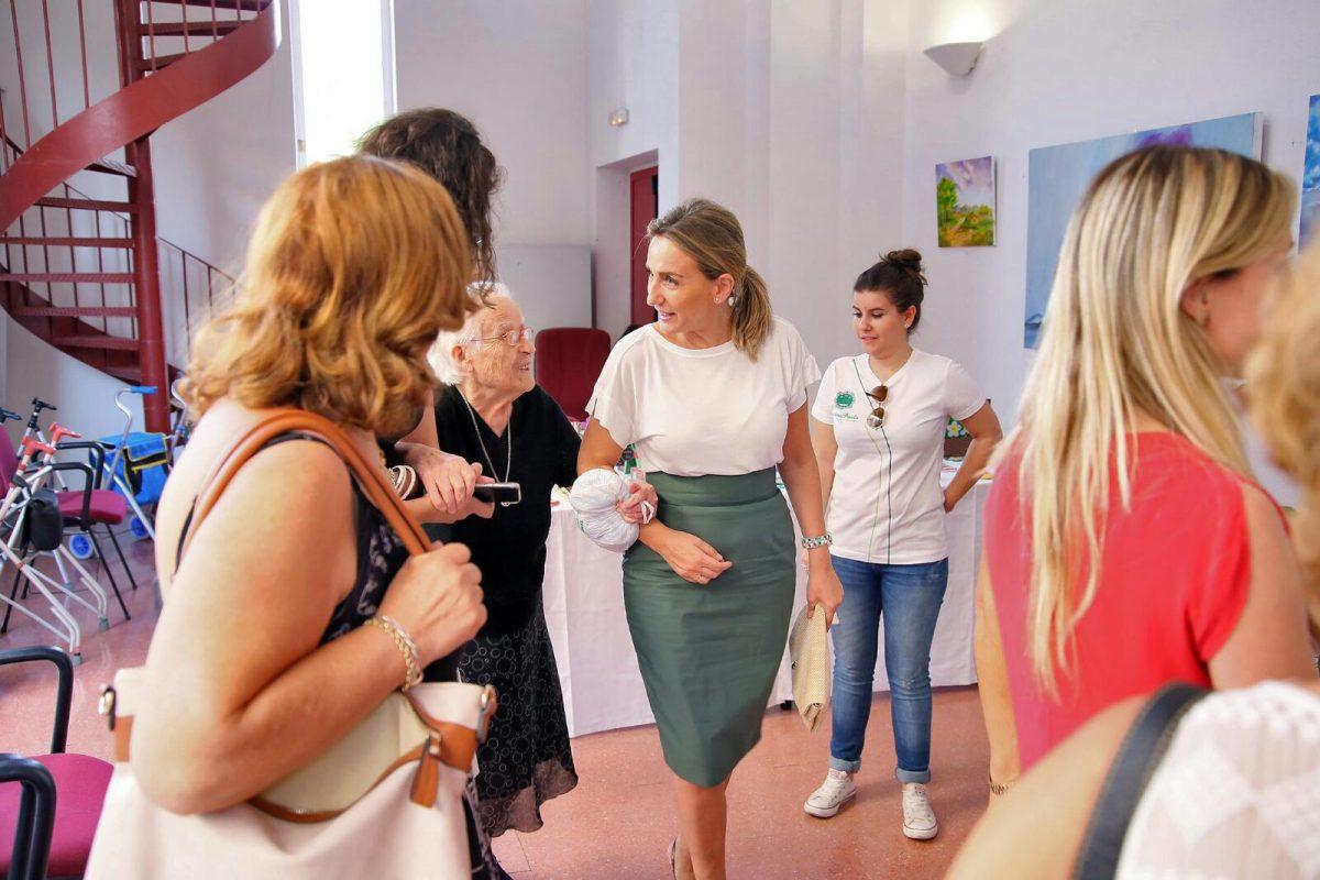 http://www.toledo.es/wp-content/uploads/2016/06/img-20160627-wa0012-1200x800.jpg. La alcaldesa asiste a la inauguración de la 56° Semana de Cultura Popular organizada por la Asociación Vecinal Alcántara