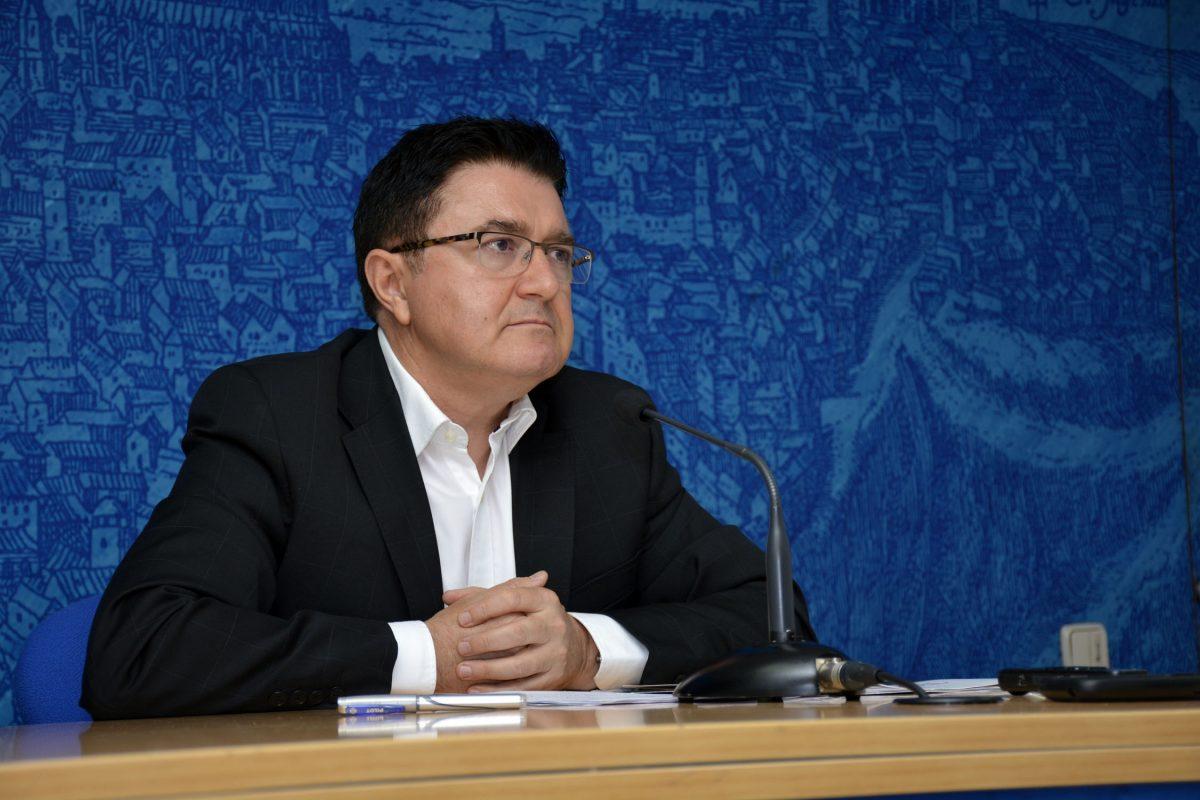"""https://www.toledo.es/wp-content/uploads/2016/06/teo_garcia-1200x800.jpg. Tres nuevas resoluciones del Tribunal Constitucional """"cierran el círculo"""" y confirman que el POM """"es eficaz y está vigente"""""""