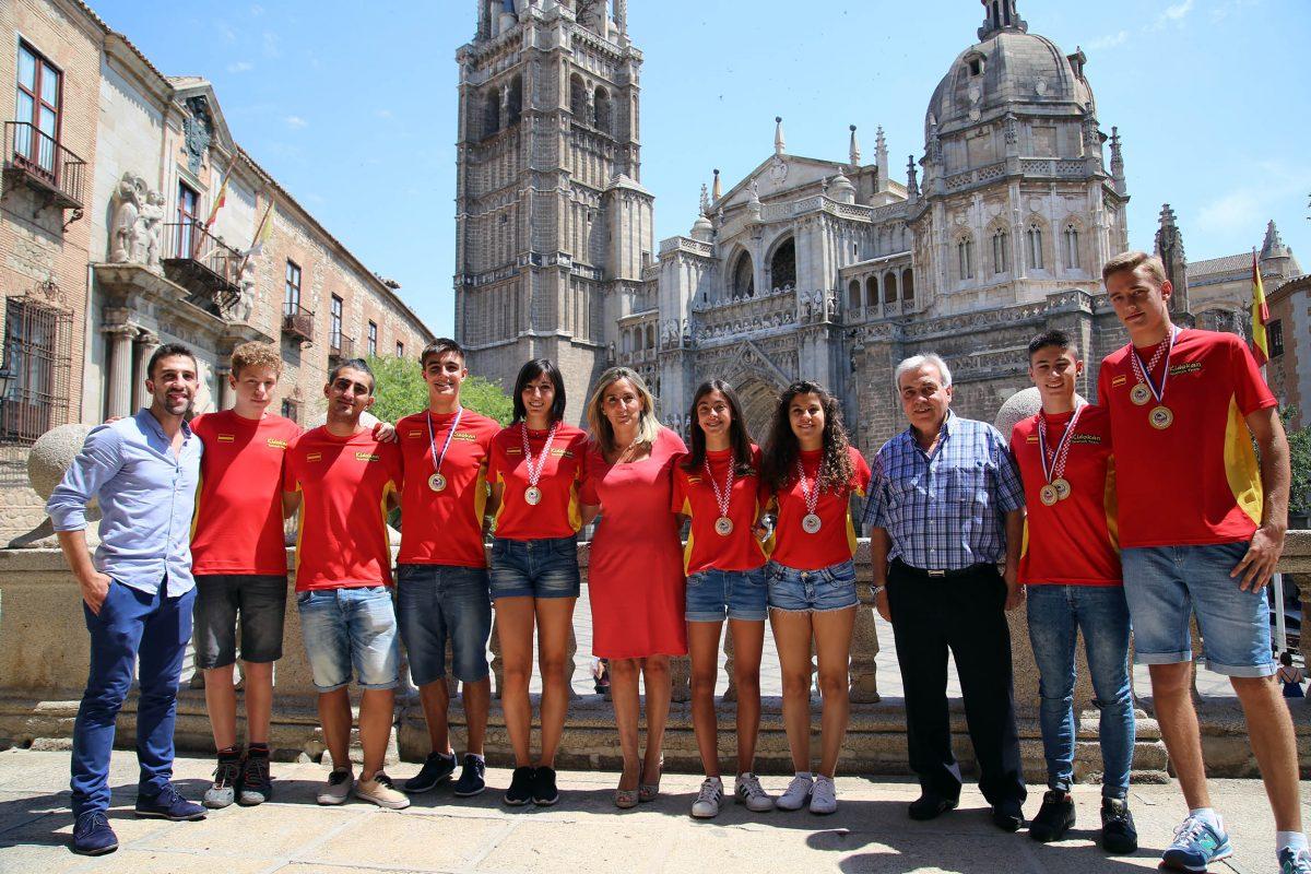 La alcaldesa felicita a los integrantes del Kidokan tras proclamarse cuartos en la Copa del Mundo de Umag (Croacia)