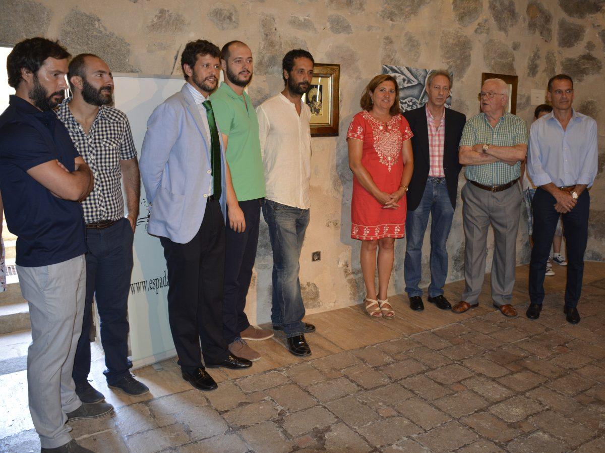 El Ayuntamiento respalda la muestra del damasquinador Oscar Martín sita en el Torreón del Puente de San Martín hasta el día 29