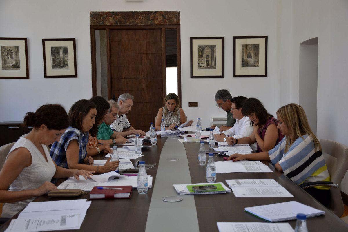 La Junta de Gobierno Local aprueba convenios con entidades sociales y culturales por valor de 30.600 euros