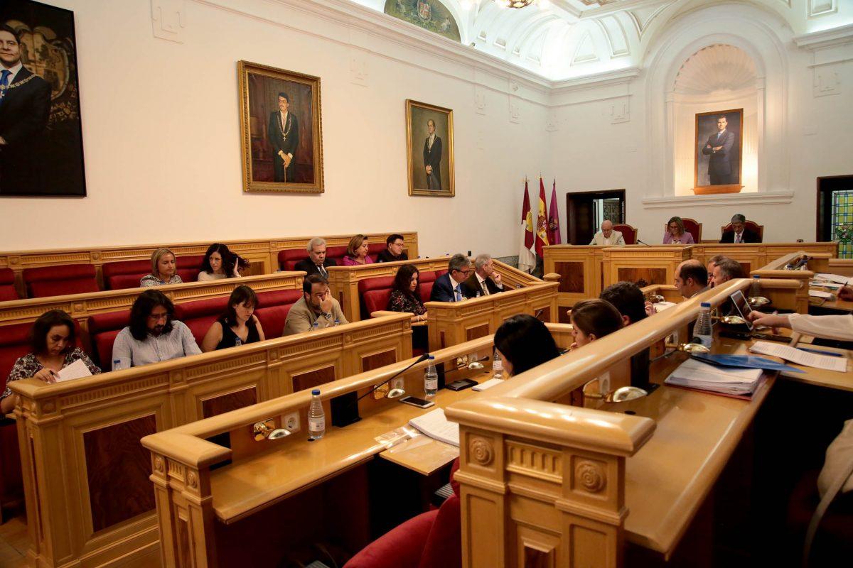 El Pleno aprueba el Reglamento de Discapacidad y denuncia la agresión al río Tajo por el último trasvase