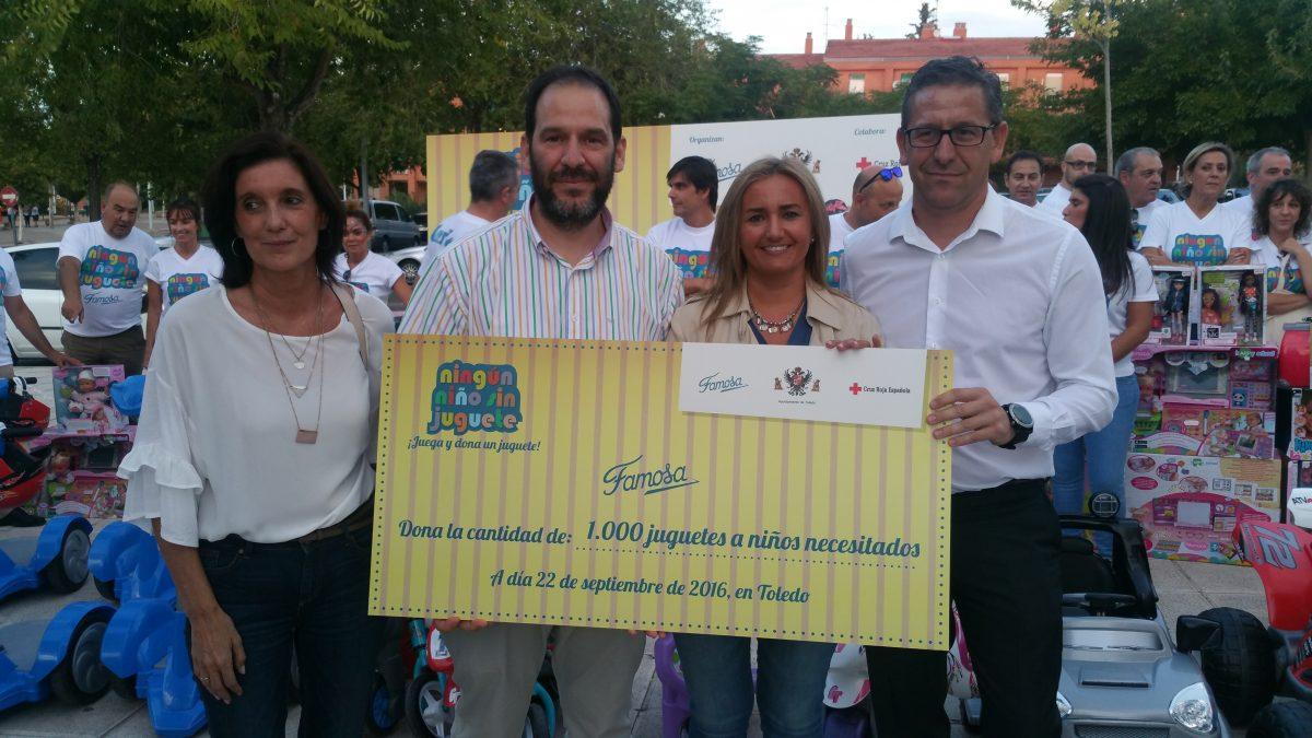 Más de 250 niños participan en la jornada 'Ningún niño sin juguete' organizada por Famosa y el Ayuntamiento en beneficio de Cruz Roja