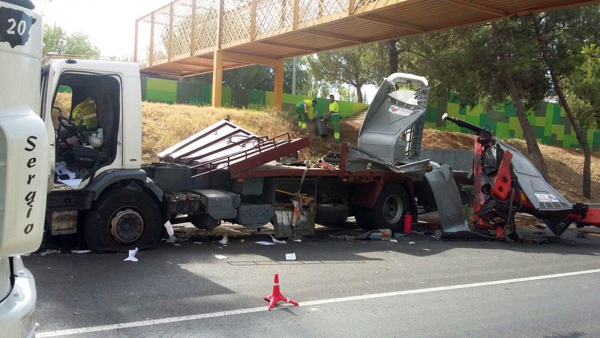 Restablecido el tráfico en la avenida de Castilla-La Mancha tras el accidente de un vehículo de grandes dimensiones